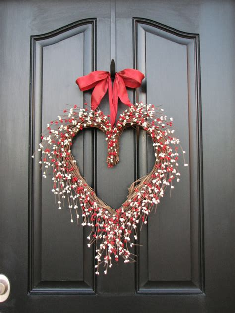 valentines day wreath   front door founterior