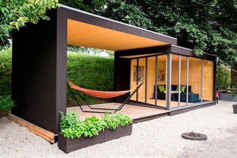 bureau de jardin design le top des abris de jardin 45 idées design archzine fr