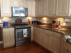Stone backsplash autumn mountain airstone kitchen for Airstone backsplash