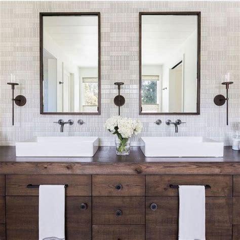 cool modern farmhouse master bathroom remodel ideas