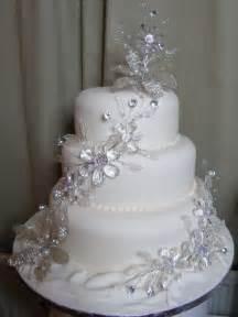 rhinestone cake stand wedding cake bling beautiful cakes that sparkle shine
