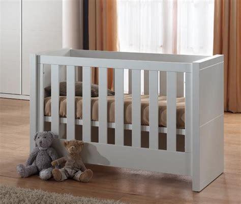 solde chambre bébé lit bébé ovale pas cher