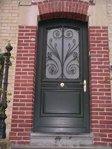 photos de realisations de portes d39entrees en bois metz With grille porte d entrée