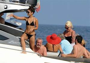 Vanessa Hudgens hung out on a boat with director Eli Roth ...