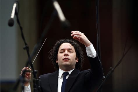 gustavo dudamel  perform  super bowl  halftime show