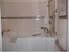 The Best Walk In Shower And Bath Combinations Walk In Tub Shower Combination For Sale Has Several Therapeutic Jets