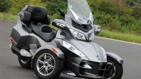 motorroller mit 3 rädern can am spyder roadster zwitter fahrspa 223 auf drei r 228 dern