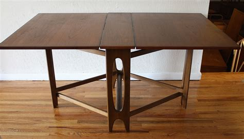 Folding Dining Table And Chairs Ideas — The Homy Design