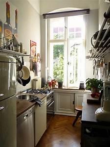 Kleine Schmale Küche Einrichten : kleine k chen ideen f r die raumgestaltung ~ Frokenaadalensverden.com Haus und Dekorationen