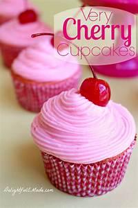 Made Com : very cherry cupcakes delightful e made ~ Orissabook.com Haus und Dekorationen