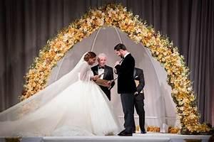 Gbp26m wedding dress photos from serena williams and for Serena williams wedding dress