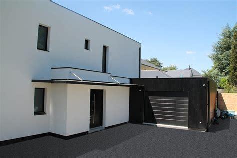 chambre avec poutre maison bioclimatique contemporaine par volumes et plans
