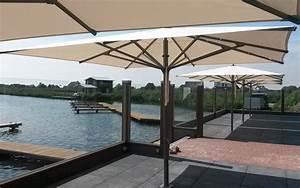 Grand Parasol Déporté : grand parasol haut de gamme en aluminium 4x4m ou 5x5m ~ Teatrodelosmanantiales.com Idées de Décoration