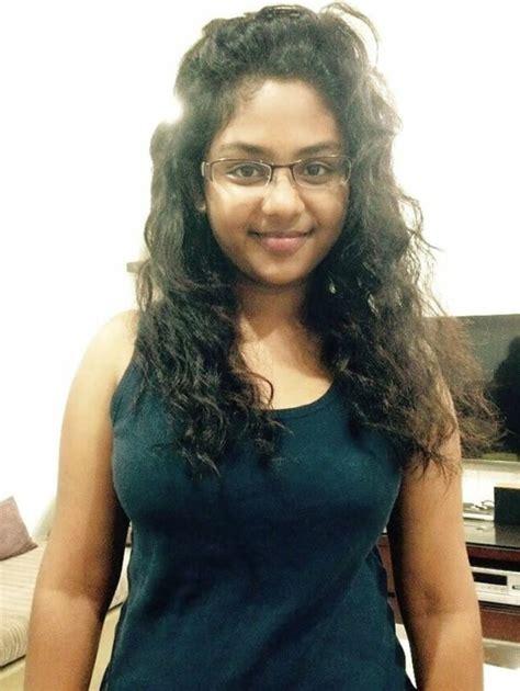 Desi Girl Stripping Bra Topless Nude Milky Boobs Selfies
