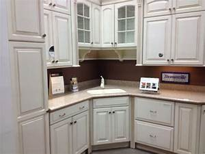 Home depot kitchen cabinets home depot kitchen cabinets for Hometown kitchen furniture