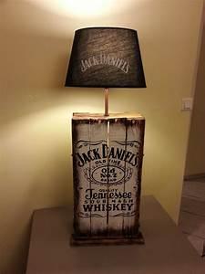 Lampe En Palette : lampe design jack daniel 39 s en palette r cup 39 art d co ~ Voncanada.com Idées de Décoration