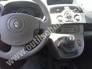 OBD2 connector location in Renault Kangoo II (2007 - 2013