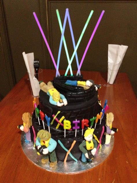 Decorating With Yellow by Laser Tag Cake Cakecentral Com