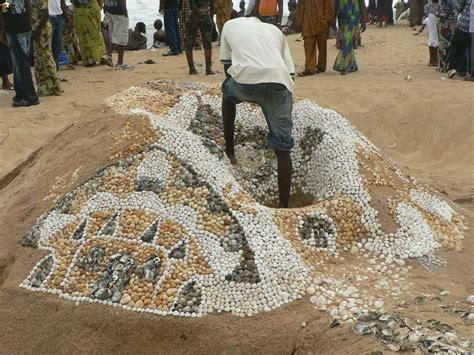 si鑒e de plage les habitants de lomé et la mer