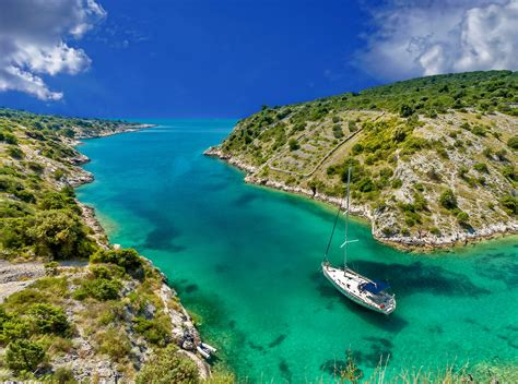 Speed Boat Hire Sardinia by A Superb Sardinia Boat Vacation