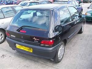 Renault Versailles : 1997 renault clio rl 1 2 versailles 1149cc breakers renault clio rl 1 2 versailles parts ~ Gottalentnigeria.com Avis de Voitures