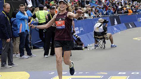 Läuferin Geht Mit 70 Erneut An Den Start