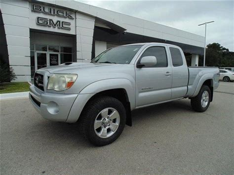 toyota tacoma trd extended cab truck   wd extra clean