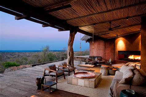 A South African Home That Maximizes Nature Reserve Views : Luxury Safari Lodge Waterberg