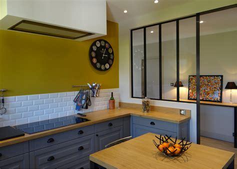 best of decoration mur interieur cuisine cuisine couleur moutarde chaios cuisine jaune