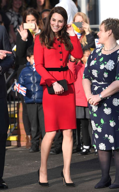 kate middletons  style moments  duchess  cambridges  fashionable outfits