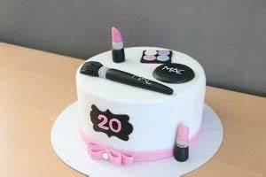Chanel Torte Bestellen : m c torte ibetina tortas torte make up cake y cake ~ Frokenaadalensverden.com Haus und Dekorationen
