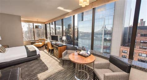 bentley hotel  york overlooking  east river