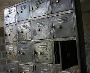 Casier Industriel Metal : armoire industrielle casiers meuble industriel ~ Teatrodelosmanantiales.com Idées de Décoration
