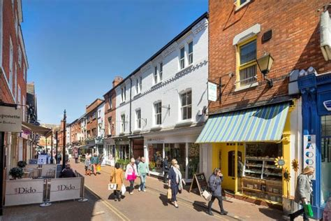 leicester   top  english cities    work
