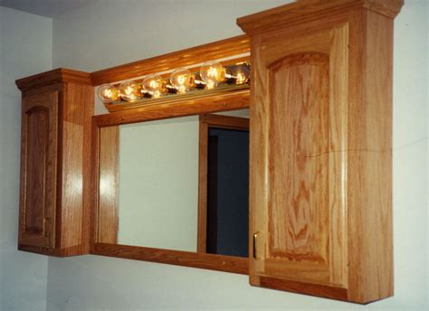 Bathroom. Mirrored Medicine Cabinet With Double Rectangle
