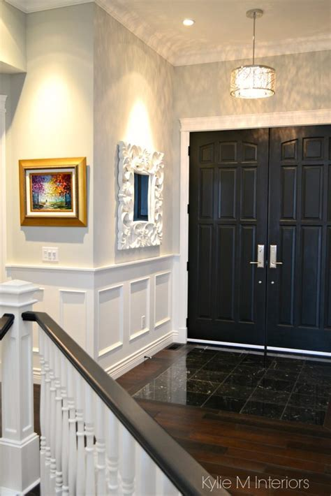 How to choose paint sheen, finish. Foyer, front door