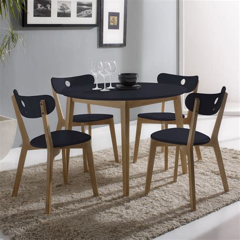 tables rondes de cuisine tables de cuisine ronde en bois cuisine idées de