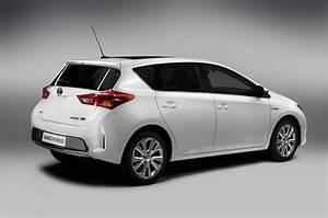 2014 Toyota Auris Fast Speedy Cars