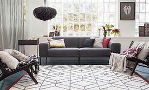 Teppich Unter Sofa : welcher teppich passt zu deinem wohnstil ~ Frokenaadalensverden.com Haus und Dekorationen