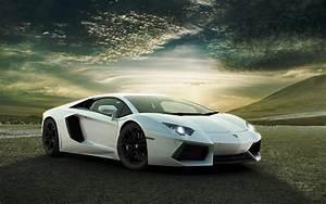 download Lamborghini Aventador White wallpaper