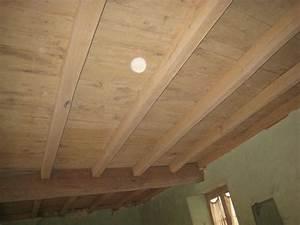 poncer poutre bois myqtocom With peindre des poutres en bois 15 comment peindre la poutre de votre cheminee conseils et