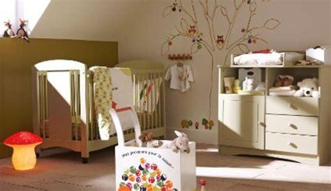 décorer une chambre de bébé comment décorer les murs en crépi d une chambre de bébé