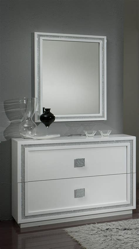 commode chambre blanche commode design 2 tiroirs laquée blanche cristalline