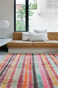Carrelage design tapis contemporain roche bobois for Tapis de marche avec canapes photos
