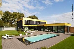 Haus Mit Schwimmbad : schwimmbad ist silber haus ist gold schwimmbad zu ~ Frokenaadalensverden.com Haus und Dekorationen