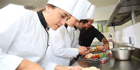 cuisine de collectivité emploi second de cuisine second de cuisine salaire études