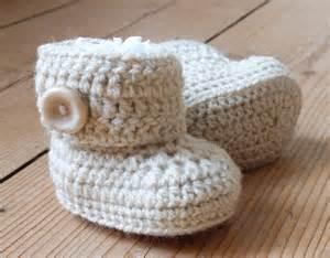 Crochet Baby UGG Booties Free Pattern
