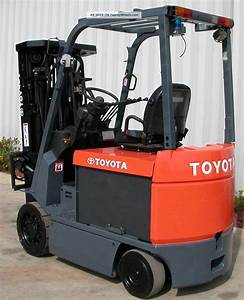 Toyota 7fbchu25  2006  5000 Lbs Capacity Electric 4 Wheel