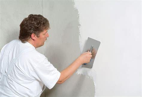 Wände Spachteln Und Streichen by Vorbereitung Ihrer W 228 Nde Und Decken Muss Sein Bevor Sie