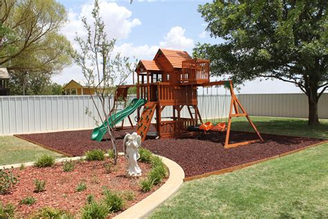 Home Playground : Rubber Mulch In Home Playground And Landscape Surfacing